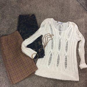LIKE NEW JLO Cream & subtle Gold Sweater sz XL